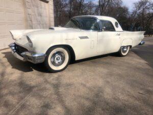 1957 Thunderbird-04b6beff